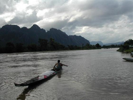 נהר, לאוס.