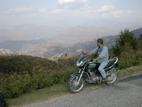 טיול אופנועים לנגראקוט, נפאל.
