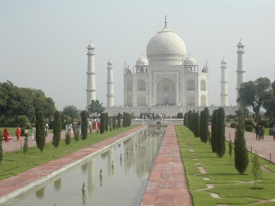 תאג' מאהל, אגרה, הודו.