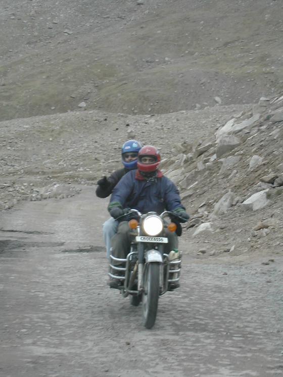 טיול אופנועים, עמק נוברה, הודו.