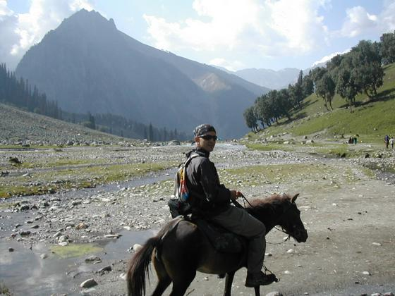 טיול סוסים  בקשמיר, הודו.