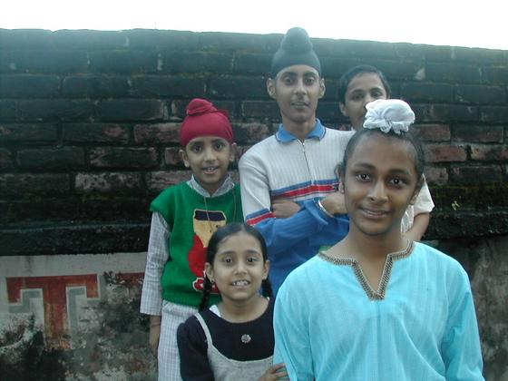 ילדים סיקים, דרמסלה, הודו.