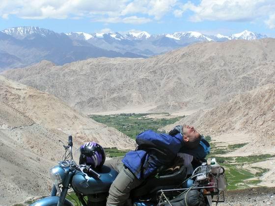 טיול אופנועים בלאדק, הודו.