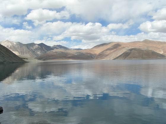 אגם פנגונג, לאדק, הודו.