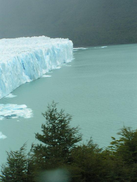 הקרחון המתנפץ, ארגנטינה.