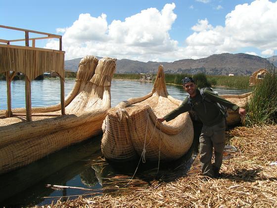 על אי צף, אגם טיטיקקה, פרו.
