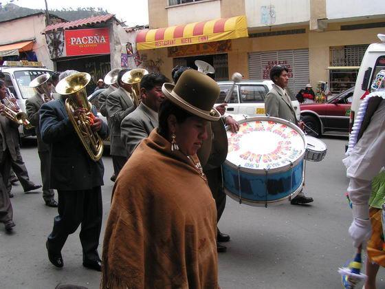 מקומיים ברחובות לה פז