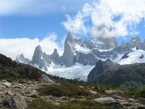 צוקי גרניט ענקיים, טרק הפיץ רוי, ארגנטינה.