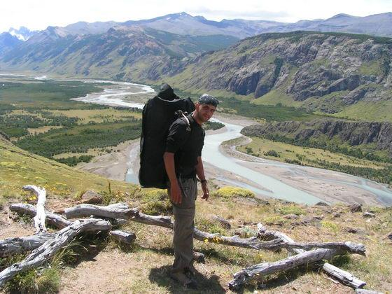 עמק עם נהרות בפיץ רוי, פטגוניה, ארגנטינה.