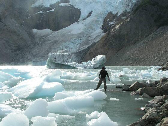 קרחון בפיץ רוי, פטגוניה, ארגנטינה.