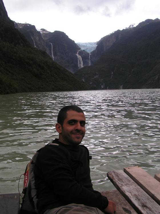 הקרחון התלוי ואגמים, קרטרה אוסטרל, צ'ילה.