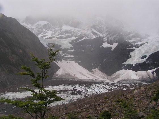 קרחון בטרק הטורוסים, פתגוניה צ'ילה.