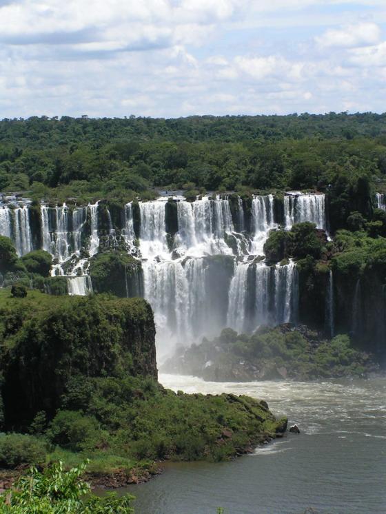 מפלי האיגואסו, ברזיל.