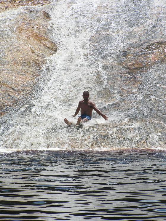 מגלשות מים טבעיות בלנסויס, ברזיל.