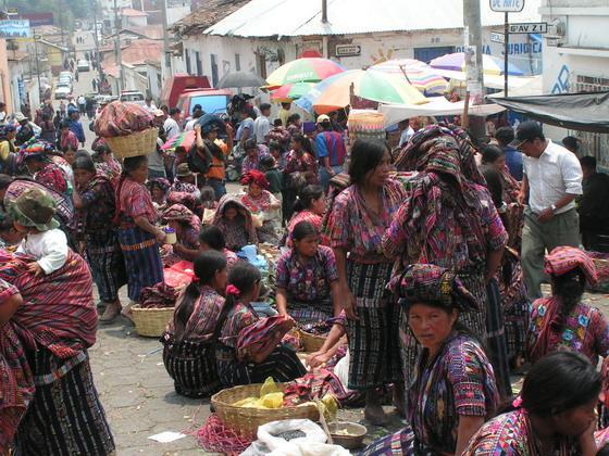 השוק בצ'צ'י, גואטמלה.