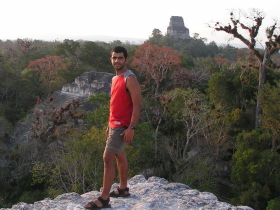 מקדשי המאיה בטיקל, גואטמלה.