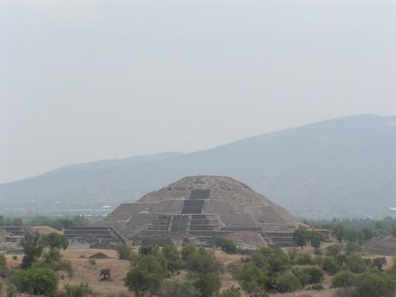 פרמידות ליד מקסיקו סיטי.