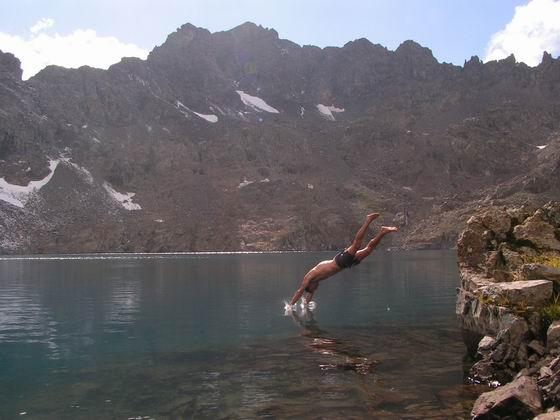 טבילה בלגונה דניז גולו,  הקצ'קר, טורקיה.
