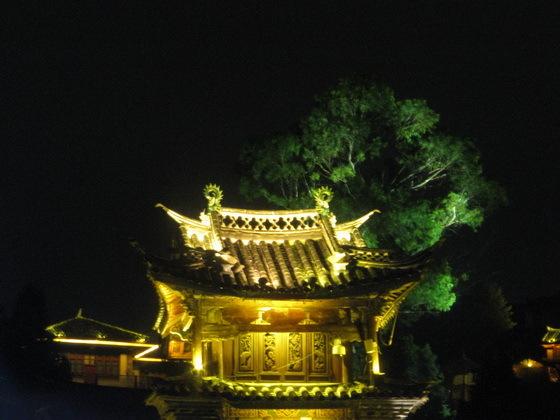 העיר העתיקה  בלילה בליג'יאנג
