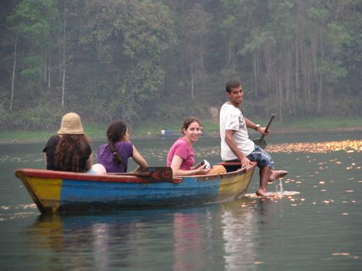 שייט באגם פוקרה