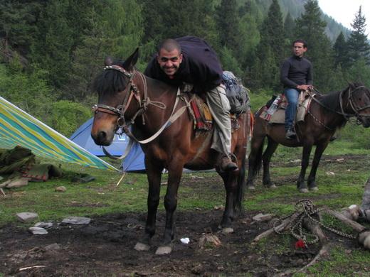 טרק סוסים בסונגפאן