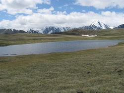אגם במערב מונגוליה