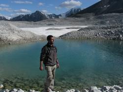 אגם בקרחון
