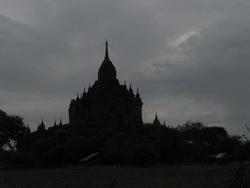 מקדשים במזרח